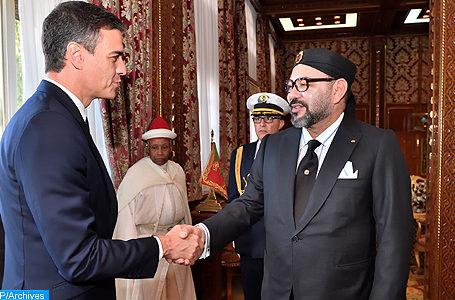 Sa Majesté le Roi Mohammed VI, que Dieu L'assiste, a reçu lundi (19/11/18) au Palais Royal de Rabat, Son Excellence Monsieur Pedro Sanchez, Président du Gouvernement Espagnol, qui effectue une visite au Maroc dans le cadre du renforcement du partenariat stratégique entre les Royaumes du Maroc et d'Espagne.