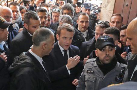 Quand Macron fait du Chirac lors d'une bousculade à Jérusalem